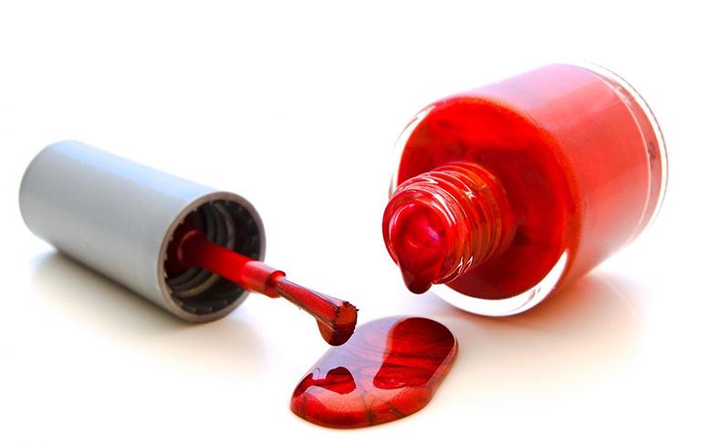 Hóa chất trong sơn móng tay tiềm ẩn nguy cơ gây bệnh