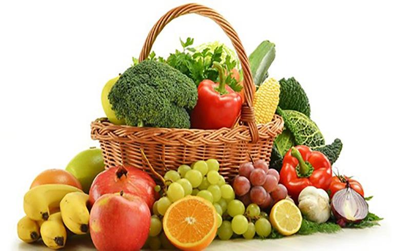 Viêm cổ tử cung nên ăn nhiều trái cây giau vitamin C và rau xanh