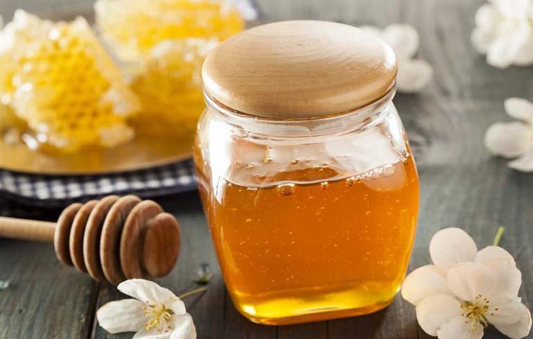 Chữa viêm da tiết bã ở cánh mũi bằng mật ong