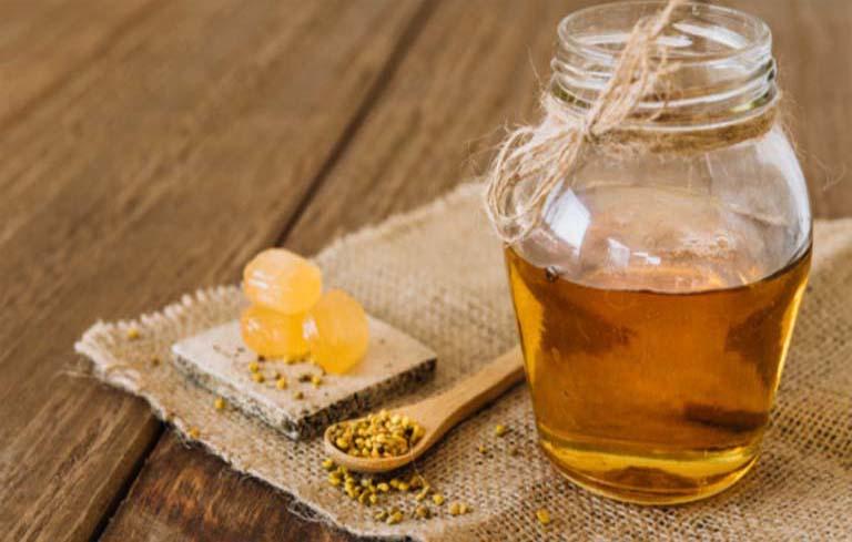 Sử dụng mật ong chữa viêm da tại nhà