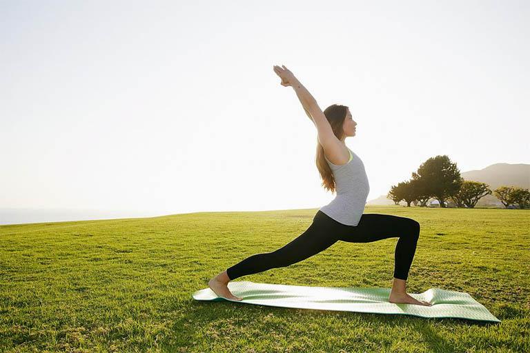 Vận động cơ thể bằng các bài tập dành riêng cho các đối tượng viêm khớp cùng chậu