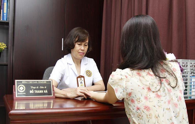 Chữa rối loạn kinh nguyệt bằng Đông y, người bệnh cũng cần thực hiện theo chỉ định của bác sĩ