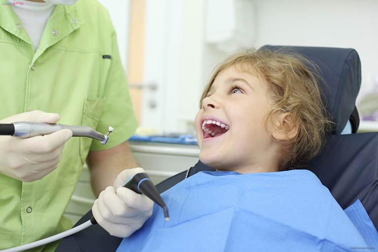 Phương pháp điều trị áp xe chân răng ở trẻ