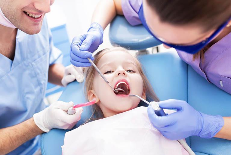 Biện pháp dự phòng áp xe chân răng ở trẻ