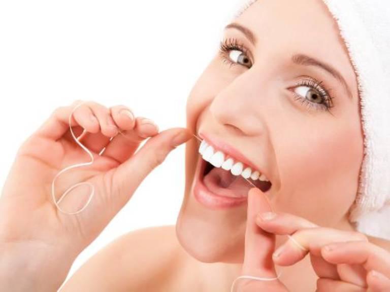Giữ gìn vệ sinh răng miệng sẽ giúp ngăn ngừa và đẩy lùi các vấn đề về răng miệng hiệu quả