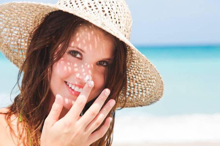 Da rất dễ bị nám, sạm màu khi tiếp xúc thường xuyên với ánh sáng mặt trời