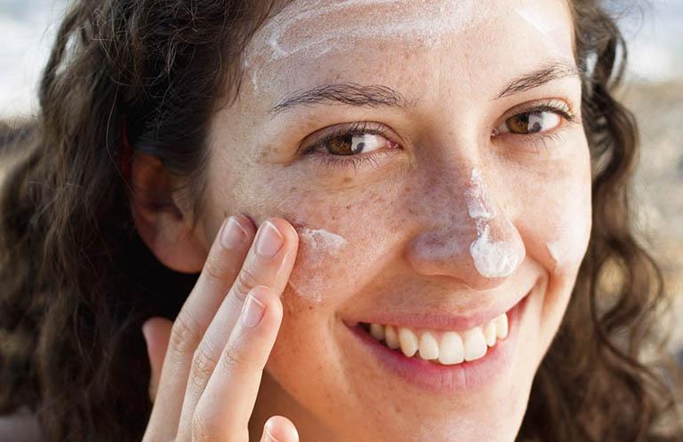 Cách chăm sóc da mặt bị nám hàng ngày - Đánh bay nám