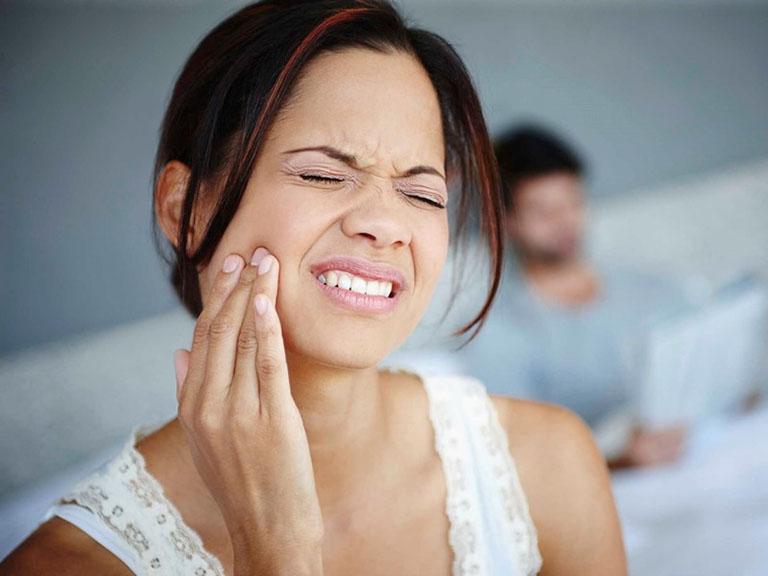 chữa đau răng hàm tại nhà