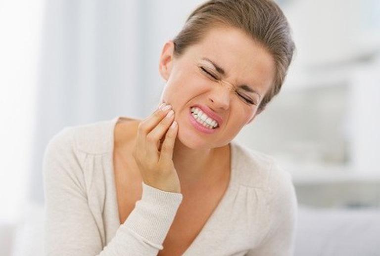 Đau răng khiến bạn cảm thấy đau nhức khó chịu và ảnh hưởng lớn đến đời sống sinh hoạt hàng ngày