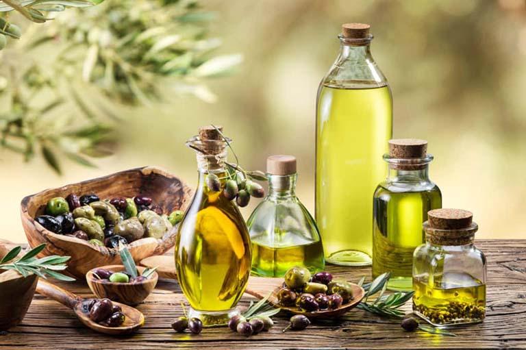 Cách sử dụng kết hợp dầu ô liu và tinh dầu đinh hương điều trị viêm tủy răng tại nhà