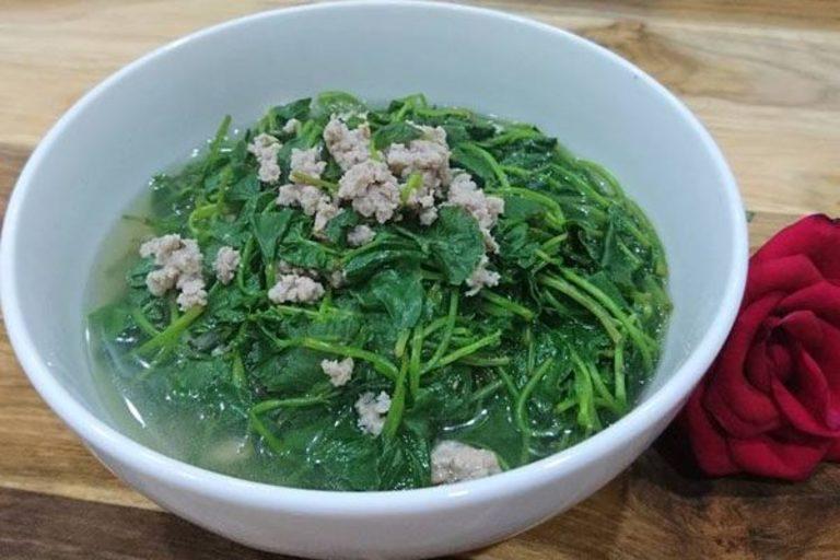 Canh rau má nấu với thịt vừa tốt cho sức khỏe vừa chữa mụn và mờ thâm sẹo.