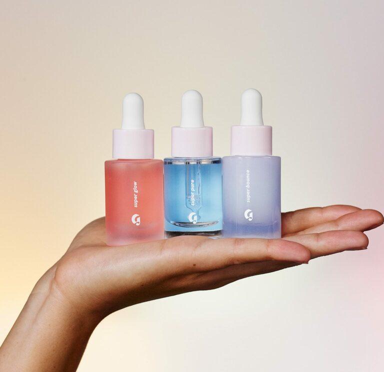 Đặc trị các tổn thương trên da bằng serum đang là lựa chọn hàng đầu của rất nhiều người.
