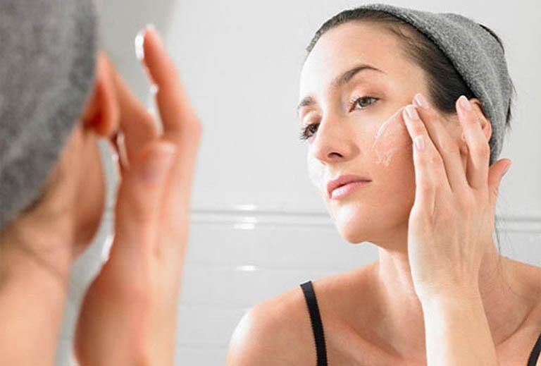 Bổ sung những sản phẩm đặc trị dành riêng cho da mụn và thâm