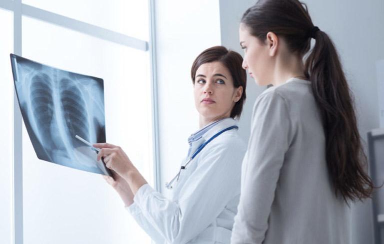 X quang phổi có thể xác định vị trí và mức độ tổn thương phổi ở trẻ em