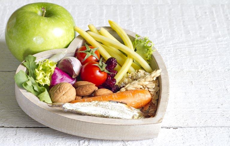 Chú ý chế độ dinh dưỡng để cải thiện sức khỏe