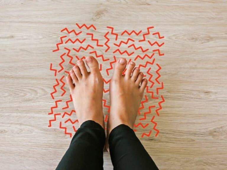 Tê chân khi ngồi lâu là do dây thần kinh bị chèn ép, không liên quan đến mạch máu.
