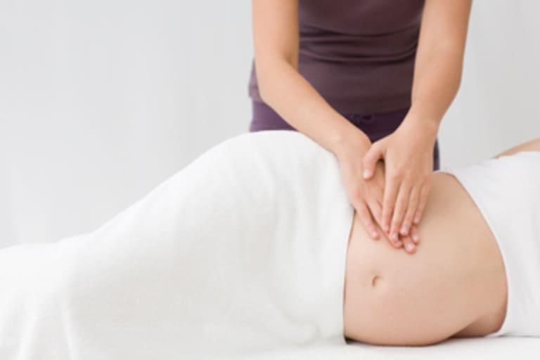 Đau buốt lưng khi mang thai tháng cuối