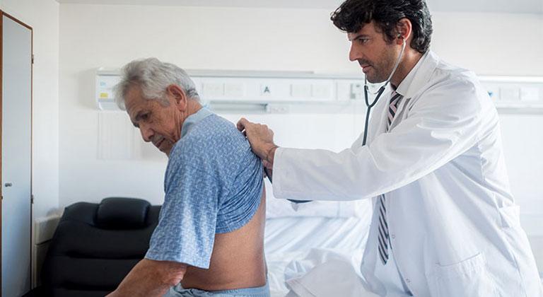 điều trị đau lưng sau vùng phổi là bệnh gì