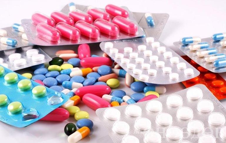 Trẻ có thể gặp nhiều tác dụng phụ nguy hiểm nếu sử dụng thuốc tây y