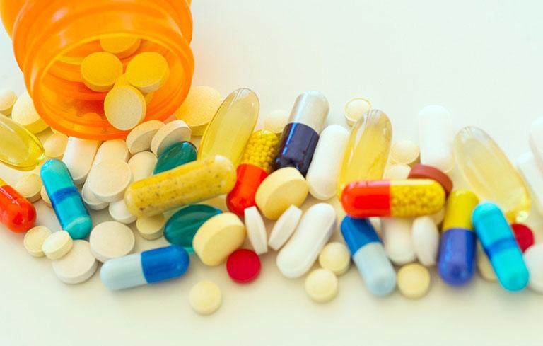 Thuốc tây y điều trị triệu chứng nhanh nhưng đi kèm nhiều tác dụng phụ