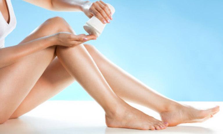 Dưỡng ẩm cho da nhạy cảm luôn rất cần thiết và quan trọng.