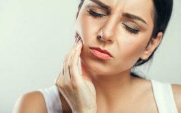 Ê buốt răng kéo dài không chỉ ảnh hưởng đến chất lượng sống mà còn có nguy cơ đe dọa đến sức khỏe.