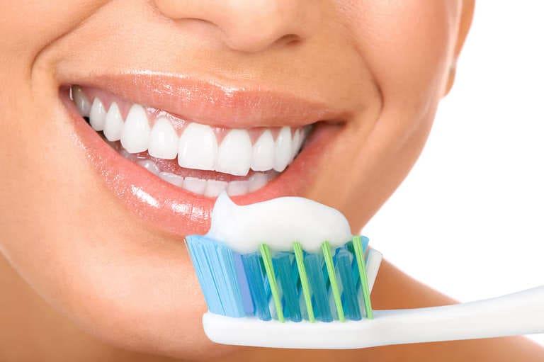 Các loại kem đánh răng trị viêm nha chu được đánh giá tốt