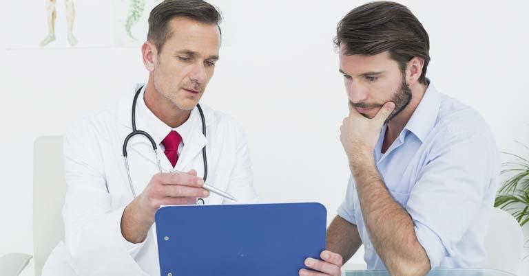 Ngay khi nghi ngờ nhiễm bệnh, nam giới nên đến gặp các bác sĩ ngay để nhận được sự tư vấn đúng đắn