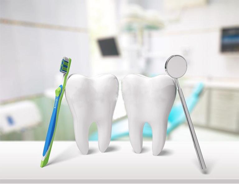 Thường xuyên làm sạch răng miệng mỗi ngày và kiểm tra răng miệng định kỳ 3 tháng 1 lần