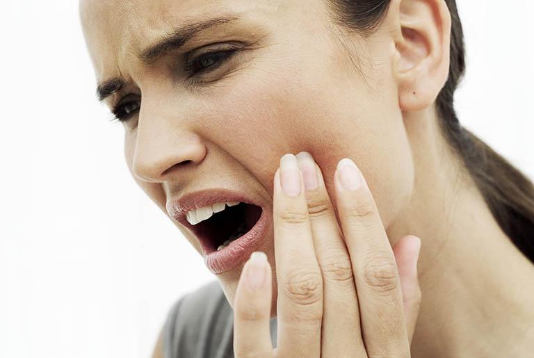 Sau khi lấy tủy răng có để lại triệu chứng gì không?