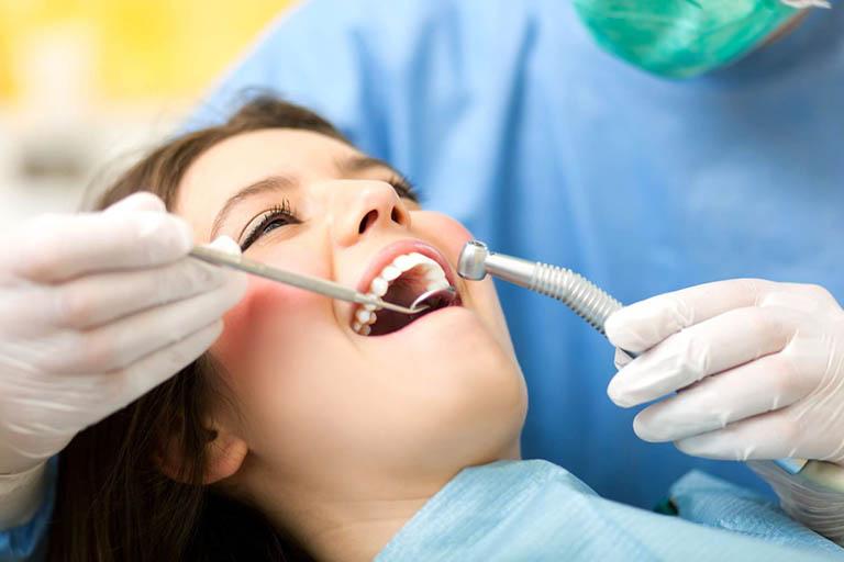 Chi phí lấy tủy răng bao nhiêu tiền?