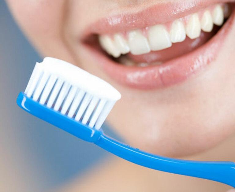 Chăm sóc răng đúng cách để tình trạng viêm ở lợi nhanh khỏi và không biến chuyển theo chiều hướng xấu.