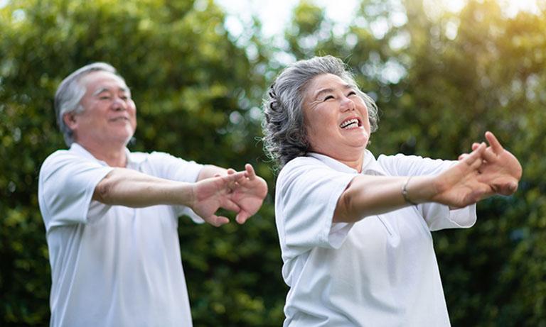 Tăng cường luyện tập thể dục thể thao giúp cải thiện sức khỏe xương khớp và hạn chế đau nhức