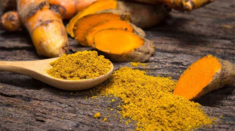 Mặt nạ nghệ vàng và sữa chua không đường trị nám và tàn nhang