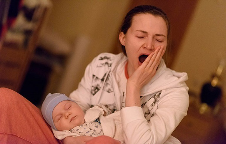 Mất ngủ xuất hiện nhiều ở phụ nữ sau sinh