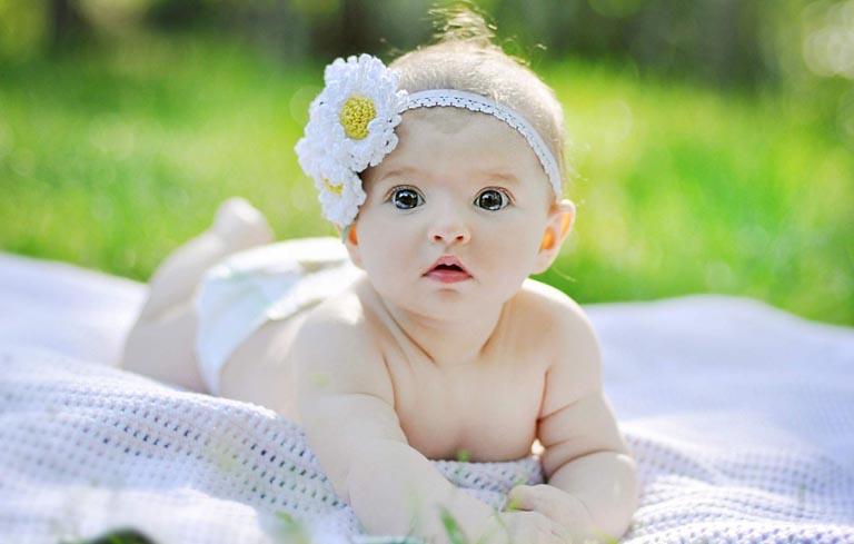 Muốn sinh con gái vợ chồng nên quan hệ tránh ngày rụng trứng