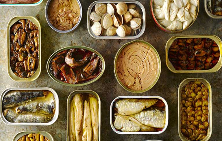 Cần tránh xa các thực phẩm đóng hộp