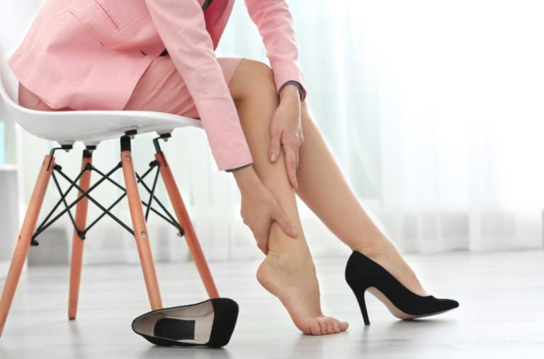 Hầu hết những nguyên nhân tê chân sinh lý là do thói quen sinh hoạt không khoa học.
