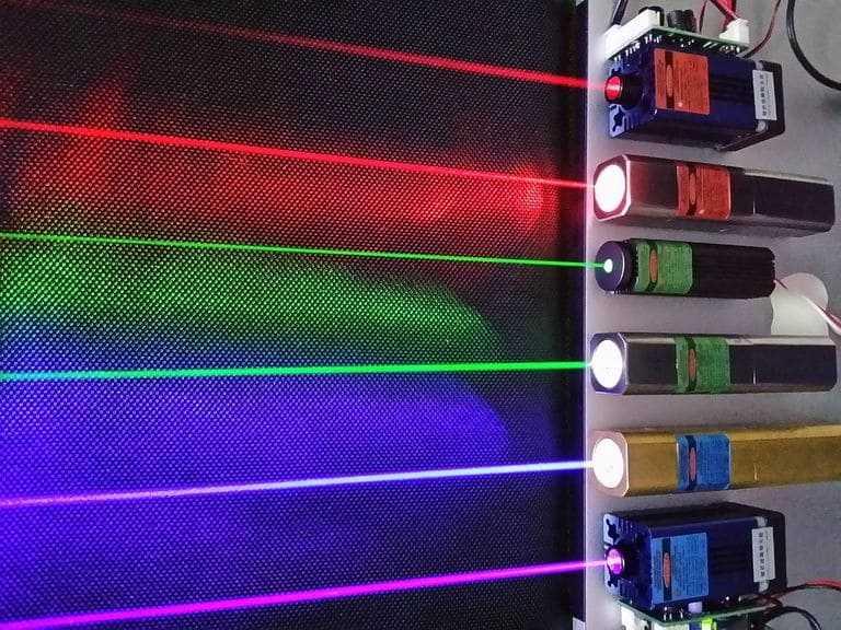 Loại tia laser sử dụng và tay nghề của bác sĩ (điều chỉnh bước sóng phù hợp) ảnh hưởng nhiều đến hiệu quả chữa nám bằng laser.