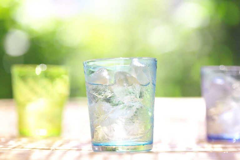 Răng bị ê buốt khi uống nước lạnh là do đâu? Làm sao khỏi?