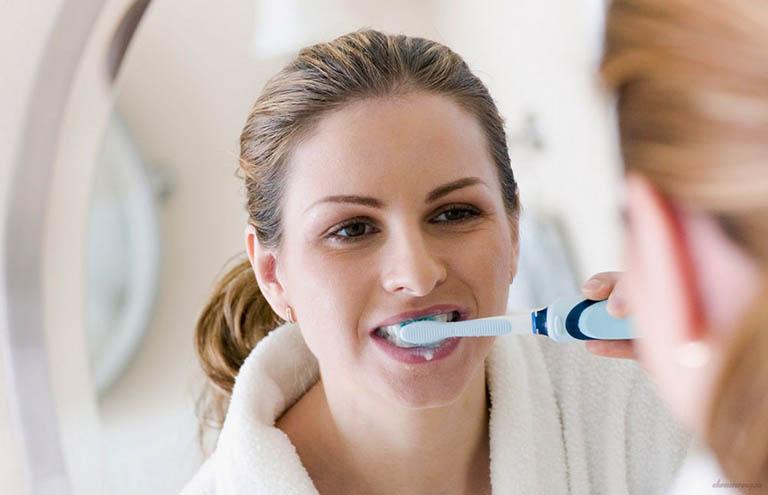 Chăm sóc răng miệng không đúng cách