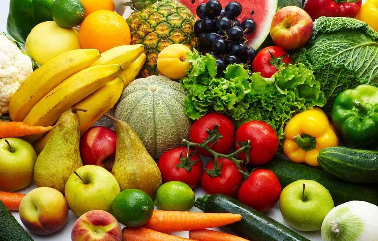 Rau củ, trái cây là thực phẩm mà người bị lạc nội mạc tử cung nên ăn
