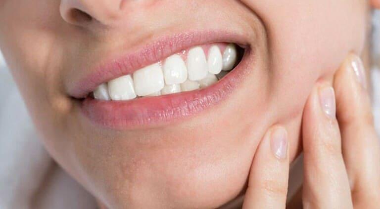 nguyên nhân sâu răng hàm