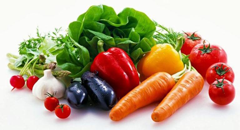 Bổ sung vào chế độ ăn uống các loại thực phẩm giàu vitamin để cải thiện tình trạng da