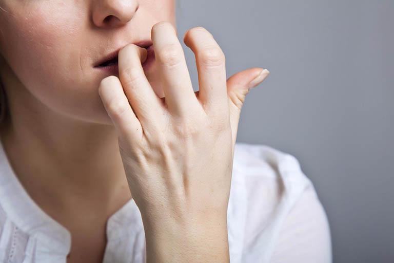Thói quen chăm sóc răng miệng kém