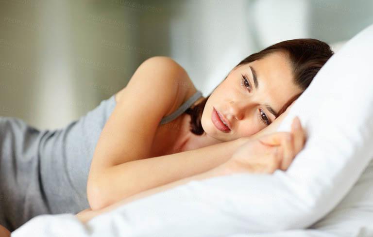 Tâm trạng căng thẳng là một yếu tố khiến chị em bị rối loạn kinh nguyệt