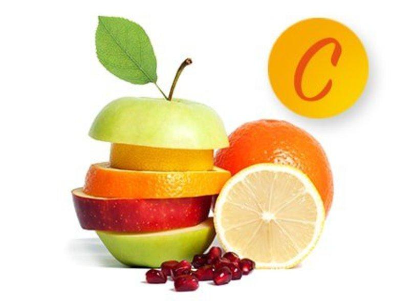 Thiếu vitamin C gây chảy máu chân răng.