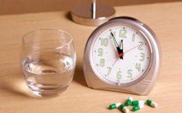 Thời điểm uống thuốc là một trong những yếu tố ảnh hưởng đến hiệu quả của thuốc