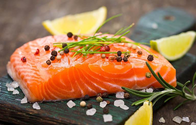 Người bị viêm phổi nên ăn nhiều thực phẩm giàu omega-3