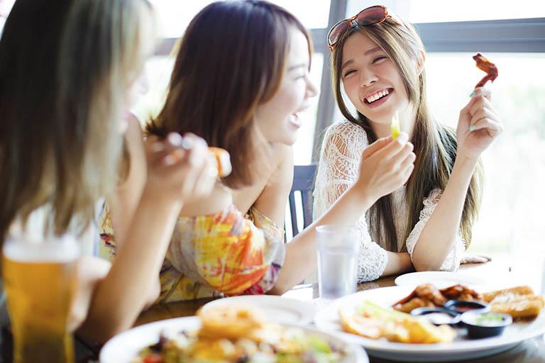 Những thực phẩm nóng gây mụn nên tránh xa để có làn da đẹp